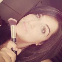 Vicky makeup artist&total look